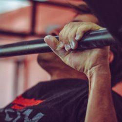 Klimmzüge als Training für den Handstand