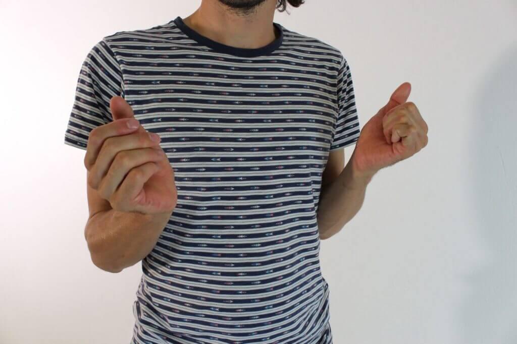 Handgelenke kreisen lassen